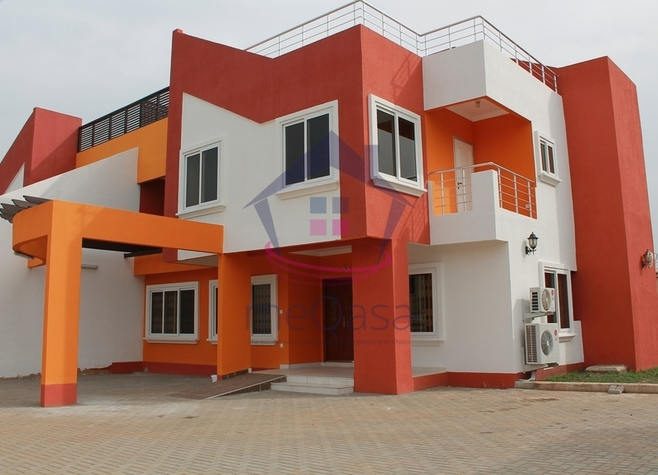 4 bedroom semi-detached house for sale in Tema