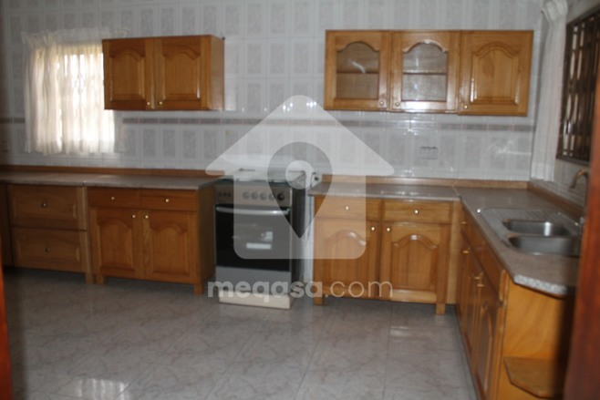 3 bedroom Partly Furnished house for rent Photo