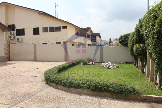 4 Bedroom Self Compound House for Rent Photo
