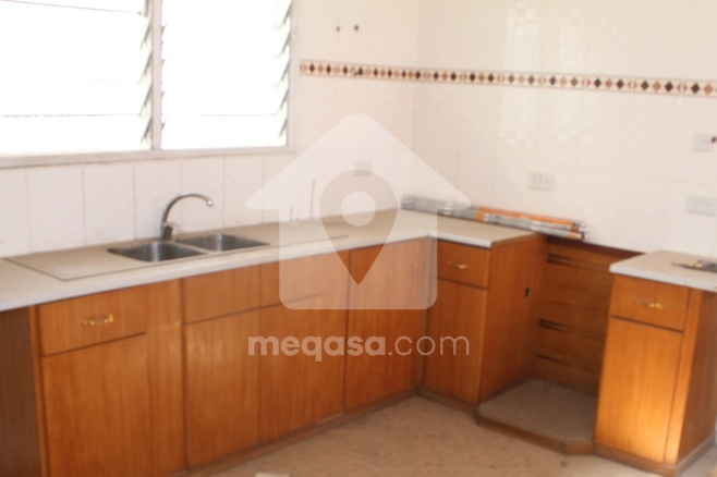 5 Bedroom Executive House To Let  Photo