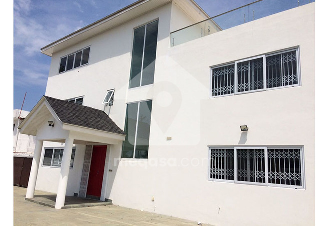 6 Bedroom Executive Storey House For Sale. Photo