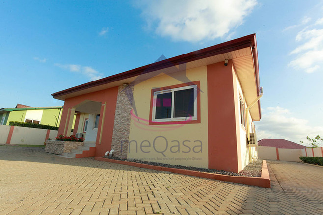 4 Bedroom House For Sale In Lakeside Estate Unit Details