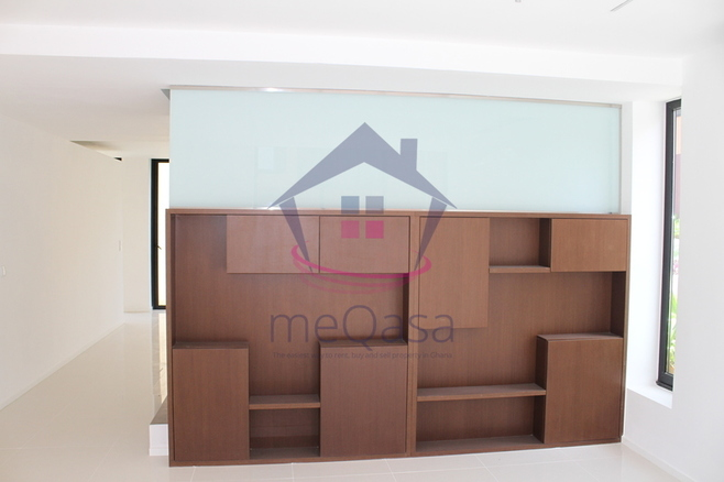 4 Bedroom Townhouse in Cantonments. Photo