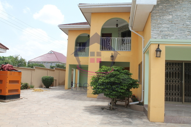 5 Bedroom Townhouse For Rent.