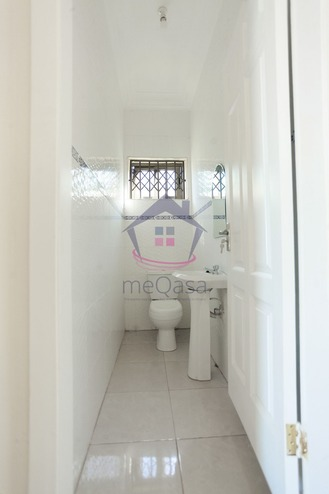 3 Bedroom House For Sale in Lakeside Estate Photo