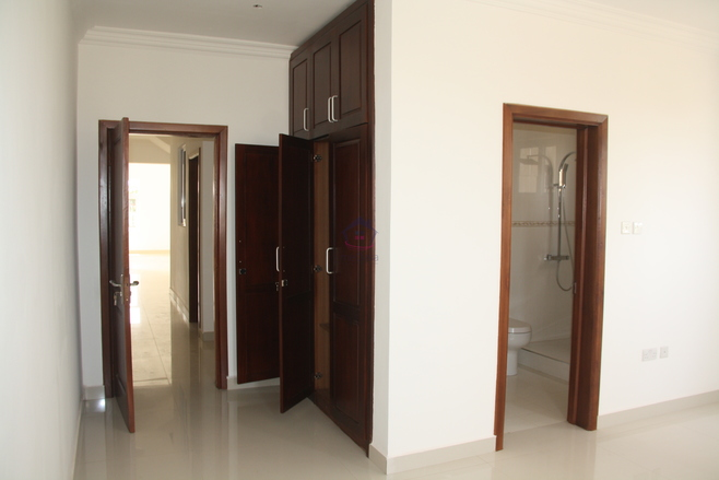 4 bedroom town house for sale in Tema Photo