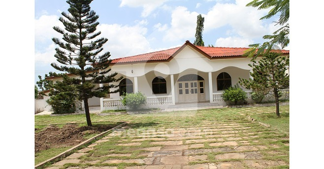 3 Bedroom Self Compound To Let