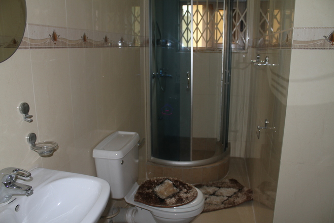 4 Bedroom Townhouse to Let Photo
