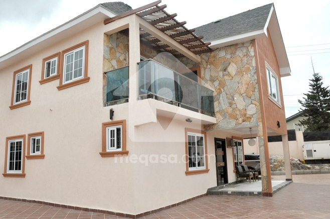 4 Bedroom For sale in Achimota Photo