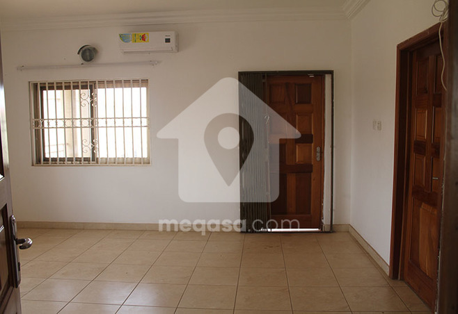 5 Bedroom Executive Storey House To Let Photo