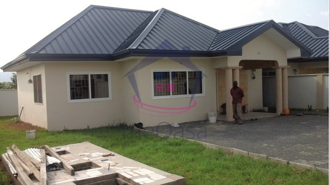 2 bedroom detached house for sale in Oyibi Photo