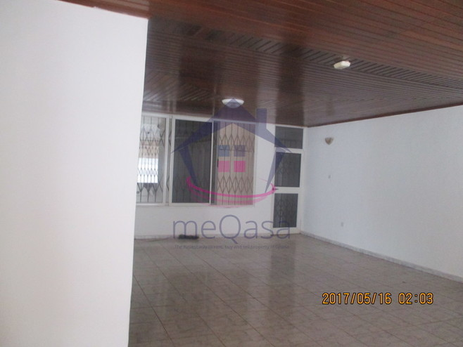 4 bedroom house for rent in Labone Photo