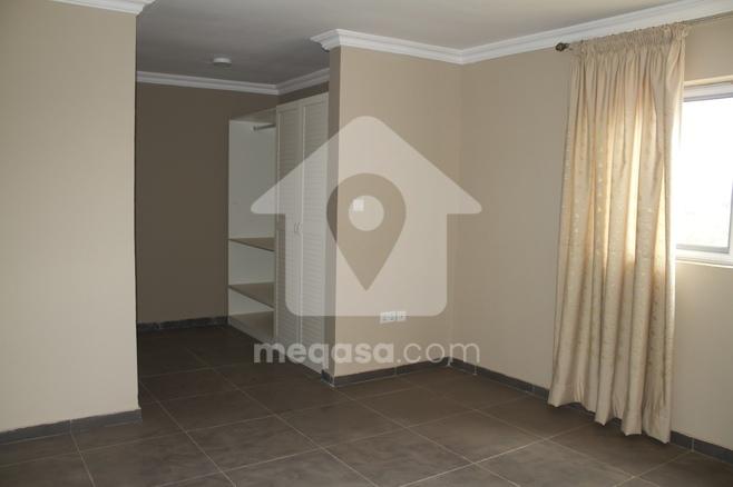 1 & 2 Luxurious Apartment.  Photo