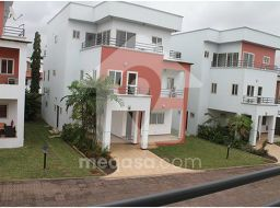 4 Bedroom Townhouses To Let.