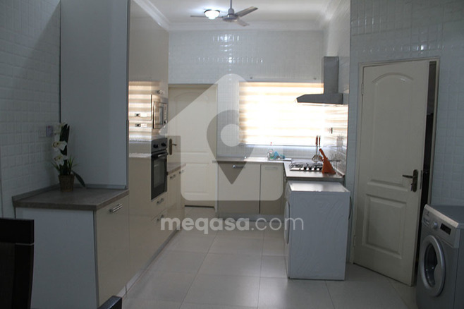 2 Bedroom Fully Furnished Apartment To Let. Photo