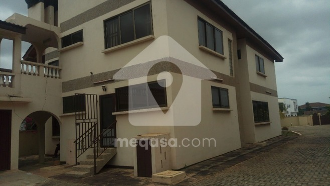 7  Bedroom Storey House To Let Photo