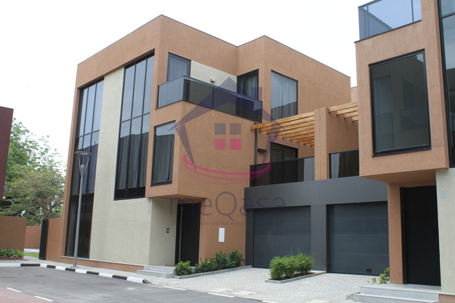 4 Bedroom Townhouse in Cantonments.