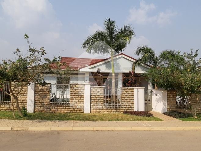 4 Bedroom Villa For Sale in Kumasi, Ashanti Region, Ghana Photo