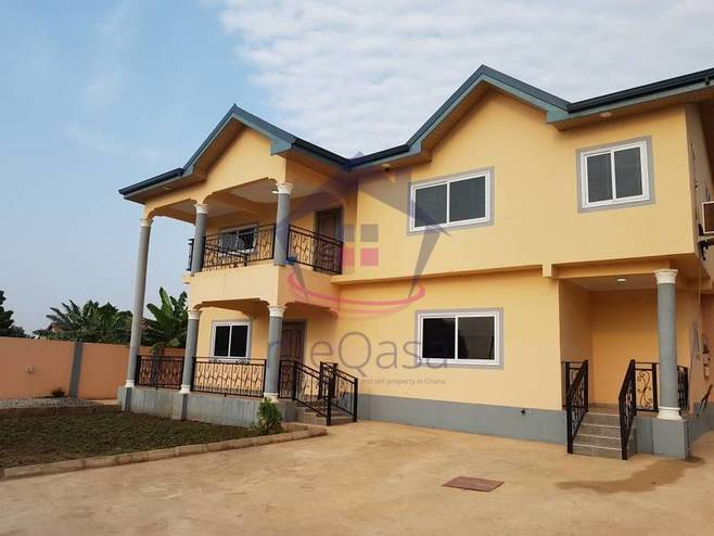 An  Opulent 5 Bedroom House for Sale