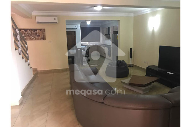 3 Bedroom Town House With Boys Quarters For Rent. Photo