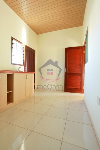 2 Bedroom Detached House For Sale in Lakeside Estate Photo