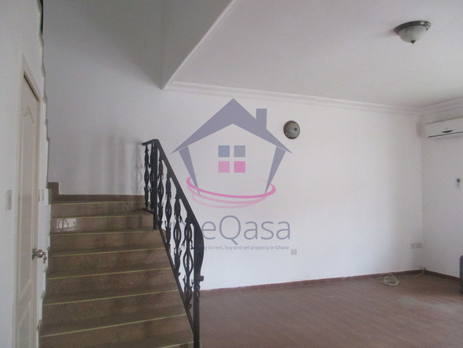 3 bedroom town house for rent in Cantonments Photo