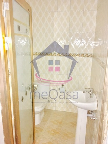 5 bedroom town house for sale in Accra Photo