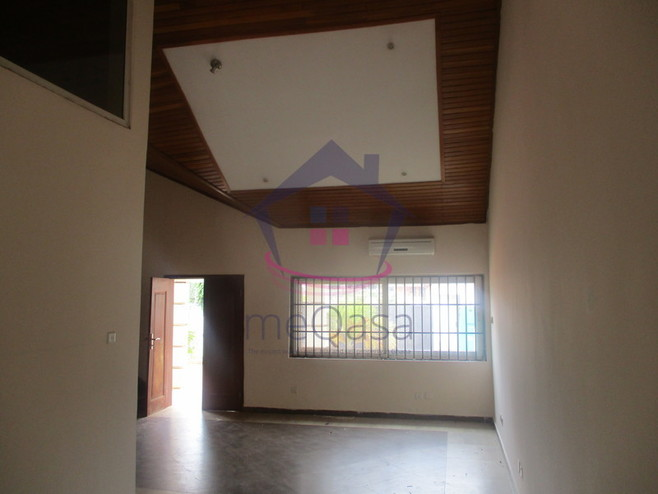 3 Bedroom House For Rent in Airport Hills Photo