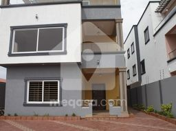 5 Bedroom Swimming Pool House For Sale