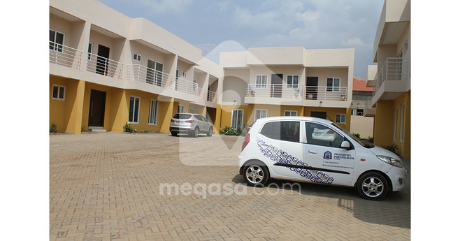 4 Bedroom Detached Townhouse For Sale