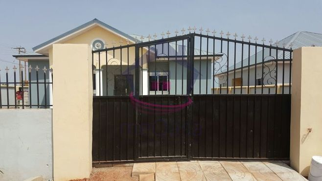 4 Bedroom Detached House For Sale in Tema Photo