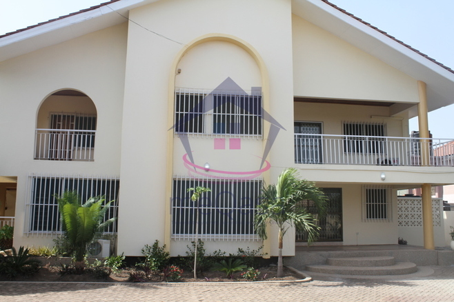 A 5 Bedroom House For Rent