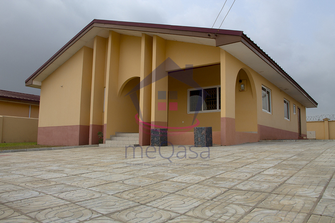 3 Bedroom Detached House For Sale in Accra