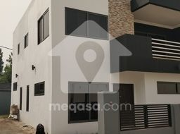 4 Bedroom Town House For Sale in Agbogba